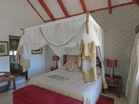Idube Game Lodge Leadwood Suite