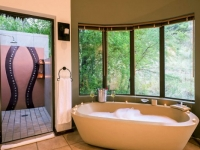 Ivory Tree Game Lodge Bathroom