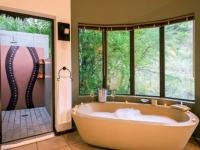 Ivory Tree Game Lodge Bathroom
