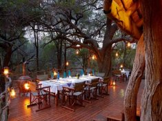 Jacis-Safari-Lodge-Deck-Dinner