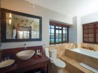Kanonkop Sunbird Suite Bathroom
