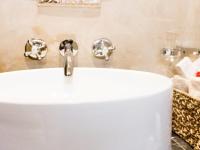 Kapensis-Grubbia-room bathroom