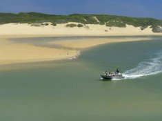 Kariega-River-Lodge-Boat-Trip-to-Beach
