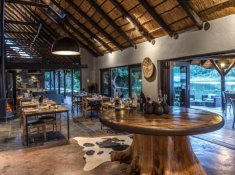 Kariega-River-Lodge-Dining-Area