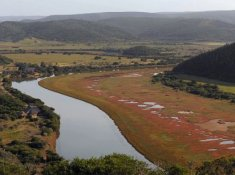 Kariega-River-Lodge-Setting-2
