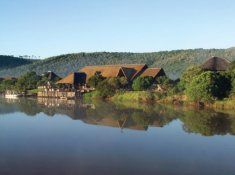 Kariega-River-Lodge-Setting