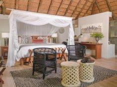 Karongwe-River-Lodge-Luxury-Room-3