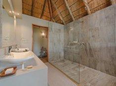 Karongwe-River-Lodge-Luxury-Room-4