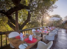 Karongwe-River-Lodge-Outdoor-Dining