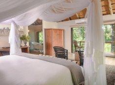 Karongwe-River-Lodge-River-Facing-Room