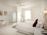 Karoo Art Hotel Bedroom 4
