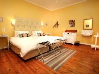 Karoo Art Hotel Bedroom 9