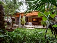 Khaya Ndlovu Accommodation Exterior