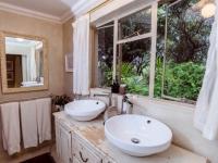 Khaya Ndlovu Bathroom (3)