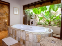 Khaya Ndlovu Bathroom