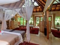 Khaya Ndlovu Bedroom (11)