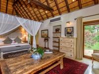 Khaya Ndlovu Bedroom (12)