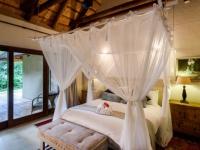 Khaya Ndlovu Bedroom (13)