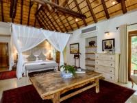 Khaya Ndlovu Bedroom (14)