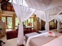 Khaya Ndlovu Bedroom (4)