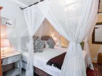 Khaya Ndlovu Bedroom (5)