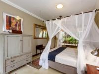 Khaya Ndlovu Bedroom (6)