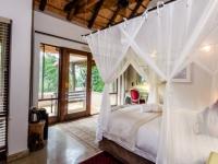 Khaya Ndlovu Bedroom (8)