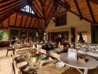 Khaya Ndlovu Dining Area, Lounge (3)