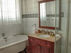 kleine-constantia-sauvignon-blanc-bathroom