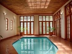 kleine-constantia-indoor-pool