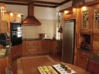 kleine-constantia-kitchen