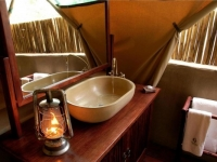 Kwafubesi Tented Camp Tent Bathroom