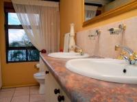 La Dolce Vita Bathroom