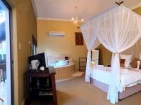 La Dolce Vita Room 8