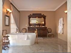 La Plume Superior Suite Stumps Bathroom