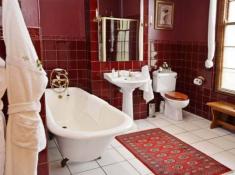 La Plume Honeymoon Suite Wings Bathroom
