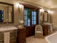 Lanzerac Luxury Room Bathroom 2