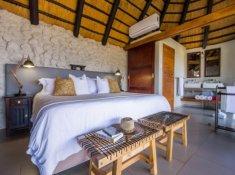Leopard-Mountain-Bedroom
