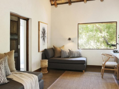 Londolozi-Founders-Camp-Family-Chalet-Interior-2