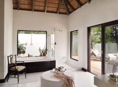 Londolozi-Pioneer-Camp-Bathroom