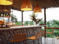 Londolozi-Private-Granite-Suites-Main-Area-Bar