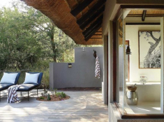 Londolozi-Tree-Camp-Outdoor-Shower