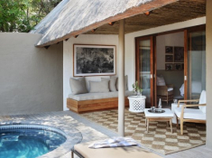 Londolozi-Varty-Camp-Chalet-Deck-and-Pool