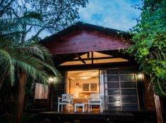 Makakatana-Bay-Lodge-1