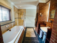 Menlyn Boutique Hotel Express & Standard Bathroom