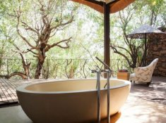 Molori-Safari-Sephiri-Suite-Bath-Tub