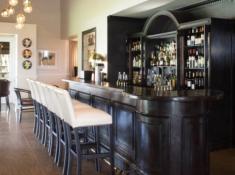 Mont Rochelle Bar