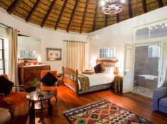 Montagu-Country-Hotel-African-Hut-Room-2