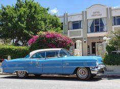 Montagu-Country-Hotel-American-Dream-Car