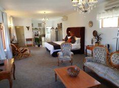 Montagu-Country-Hotel-Luxury-Suite